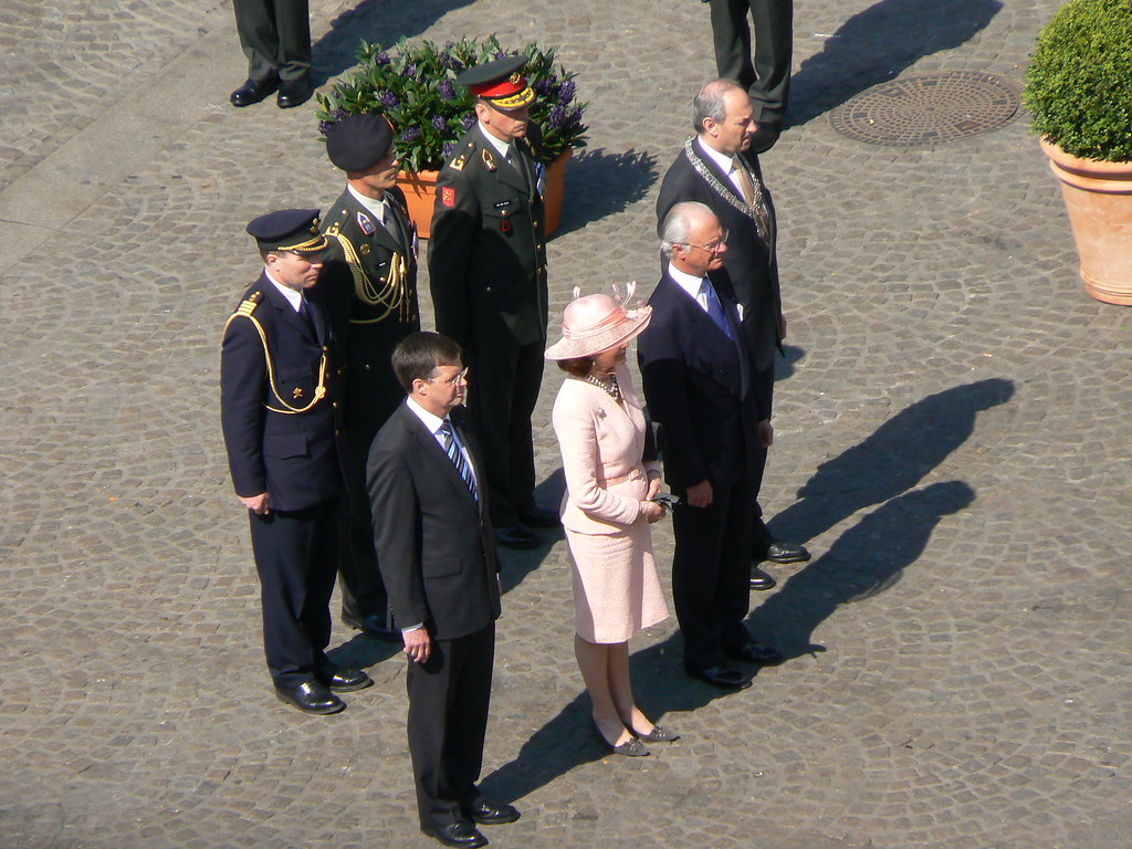 King and queen of Sweden, Balkenende and Cohen: 21 Apr 2009 / Amsterdam