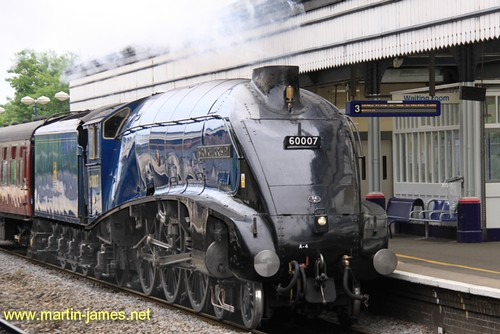 2009-05-25-009 v1 (wm) Steam Locomotive Sir Nigel Gresley running fairly light @ Maidenhead