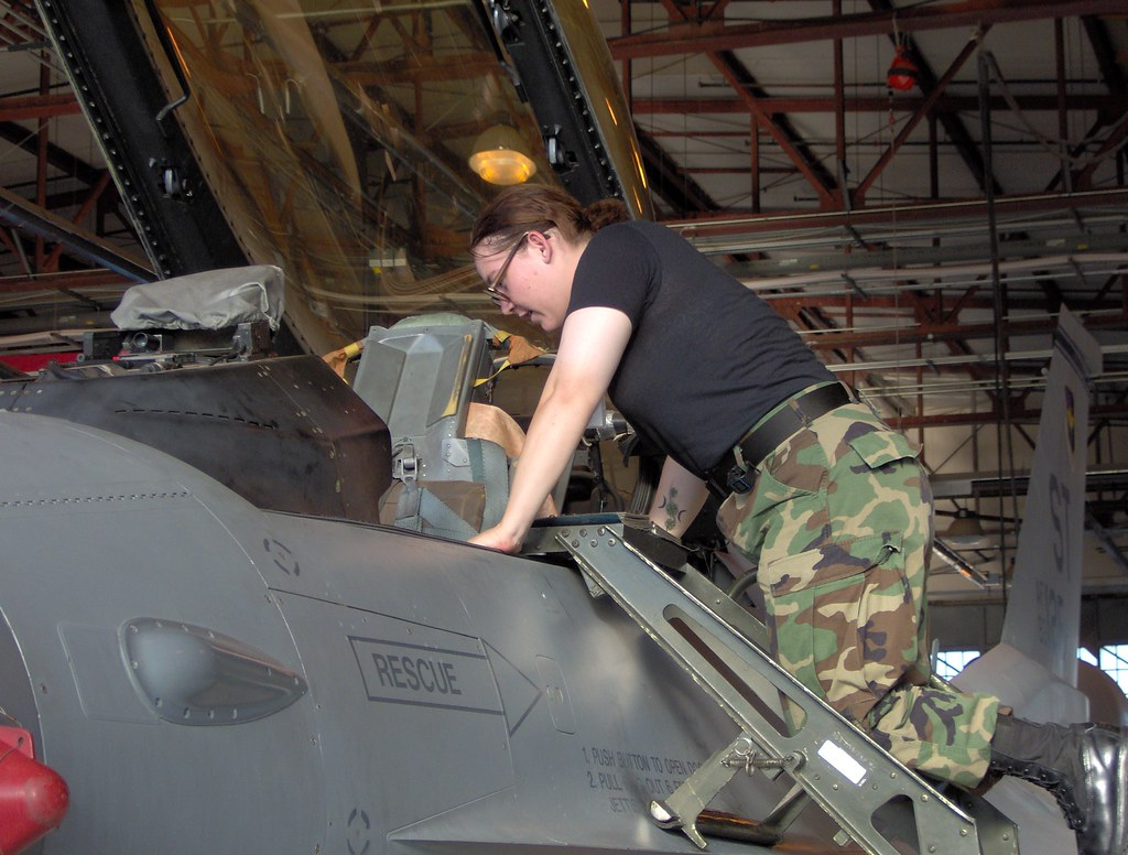 techschool | working on the jet | Angie | Flickr