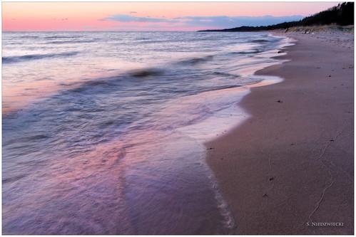 sunset beach reflections sand waves shoreline lakemichigan greatlakes muskegon whitelake meinertcountypark stacyniedzwiecki stacycossolini puremichigan