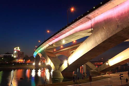 212I高速公路碧潭橋