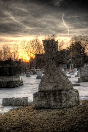 cross cemetary february woodstock 2009 hdr showprint 63fm2 63m1