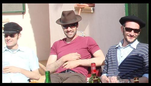 Tres soles, tres sombreros