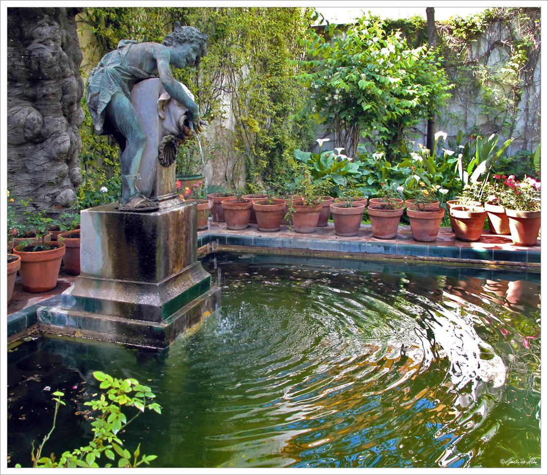 El joven baco fuente del jard n chico casa de pilatos for Jardin chico casa