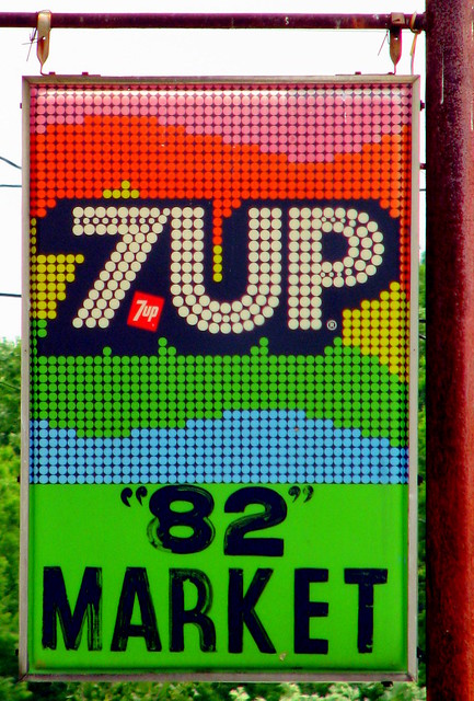Groovy 7-UP sign