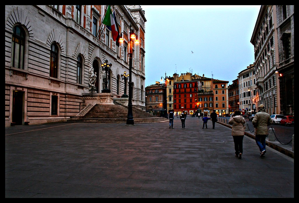 Roma piazza del parlamento flickr photo sharing for Roma parlamento