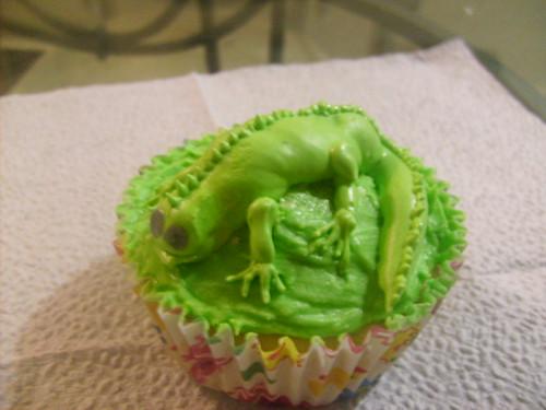 Iguana Cupcake