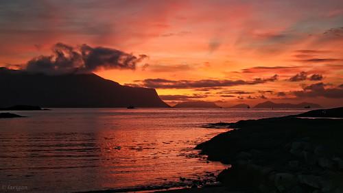 sunset sea mountains islands ålesund aalesund tueneset larigan phamilton betterthangood damniwishidtakenthat
