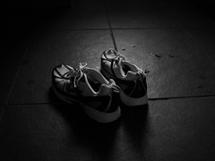 Running Shoes —marksteelenz (Flickr.com)