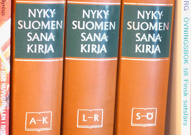 Sanakirja, diccionario en finés