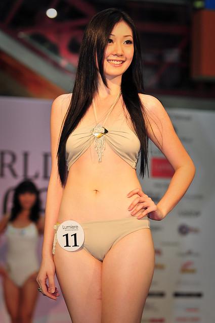 Girl fashion show dress up games 79