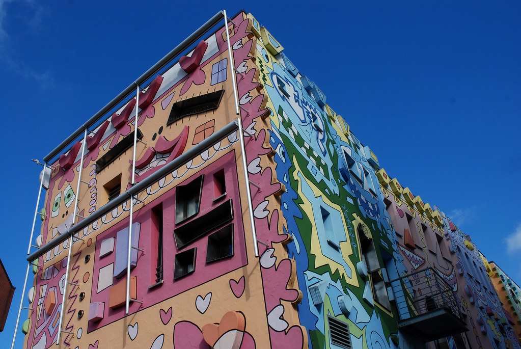Images Meet Colorful Rizzi - The Happiest House in The World - YourAmazingPlaces.com 2