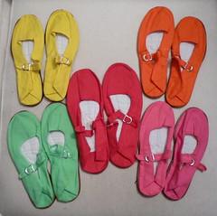 hand(0.0), outdoor shoe(0.0), finger(0.0), font(0.0), leg(0.0), flip-flops(0.0), slipper(0.0), footwear(1.0), shoe(1.0), sandal(1.0), pink(1.0),