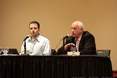 Doug Hay addressing a Question   SEM PR panel   sempdx searchfest 2009    MG 9494