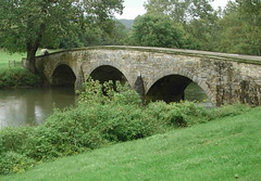 devil's bridge(1.0), aqueduct(1.0), river(1.0), arch bridge(1.0), canal(1.0), waterway(1.0), infrastructure(1.0), bridge(1.0),