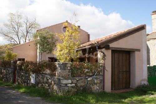 Casa tradicional de pueblo fachada flickr photo sharing - Fachadas de casas de pueblo ...