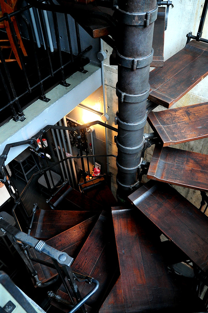 聖林館-螺旋樓梯