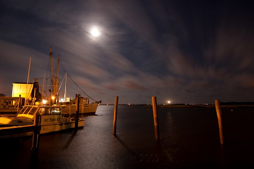 ocean longexposure moon lighthouse seascape water night clouds port river stars landscape boats harbor nc fishing shadows wind fear tripod northcarolina atlantic cape southport gitzo waterway constellation oakisland scorpius diamondcity caswellbeach arcatech tokinaatx116prodx gt2531
