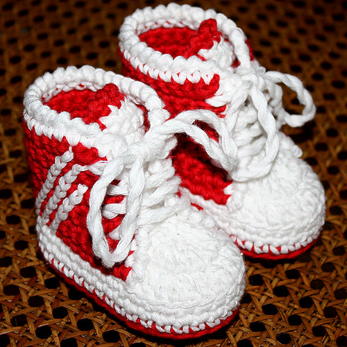 Crochet Pattern Baby Tennis Shoes : PATTERN - Baby Sneakers (tennis shoes) Flickr - Photo ...