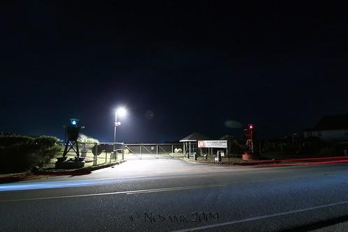 road longexposure red coastguard green beach station night fence nc gate tripod northcarolina gitzo buoy oakisland lightstream caswellbeach arcatech tokinaatx116prodx gt2531
