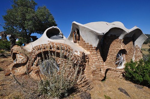 architecture julian modernism gaudi organic hubbell guell midcentury santaysabel
