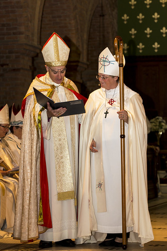 The chief consecrator at Saturday's service was the Bishop of Canberra & Goulburn, Stuart Robinson