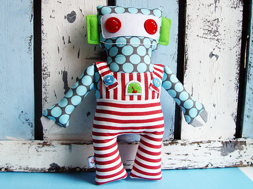 my_little_robot_friend_01