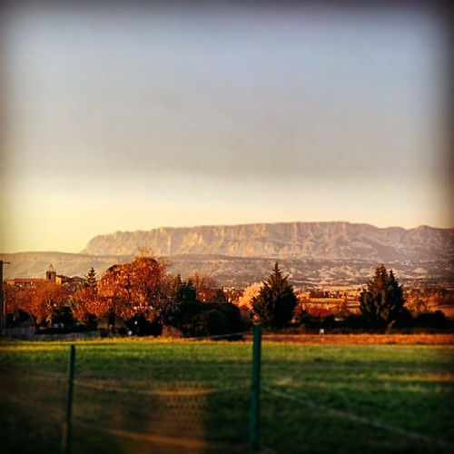 montagne provence saintevictoire peynier uploaded:by=flickstagram instagram:photo=671755628032165828225193712