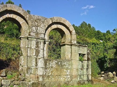 Claustros da Igreja Matriz de Ermida do Paiva - Portugal