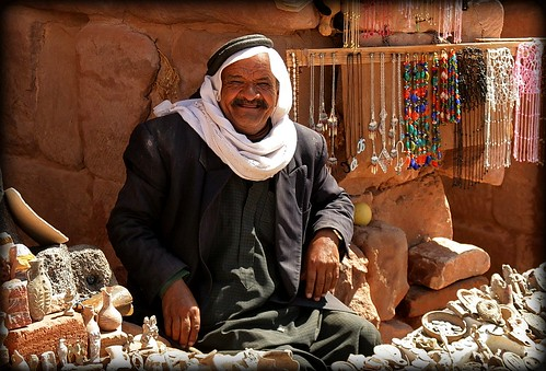 people man smile petra stall friendly bedouin jordania urntomb canoneos30d beakoteckaphotography