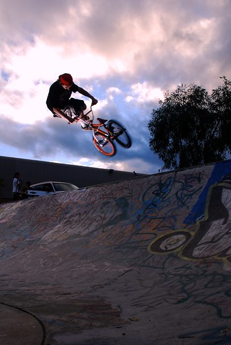 nikon bmx skatepark rockingham sb26 18135 strobist d40x sionbourne brentonrooney