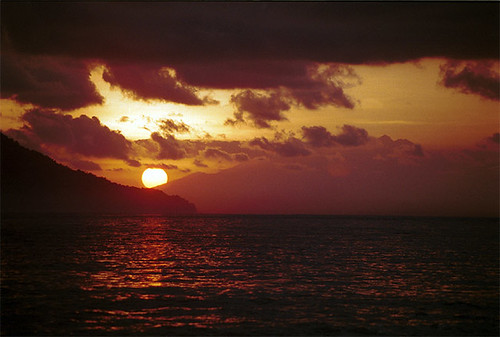 bali sunrise indonesia padengbai