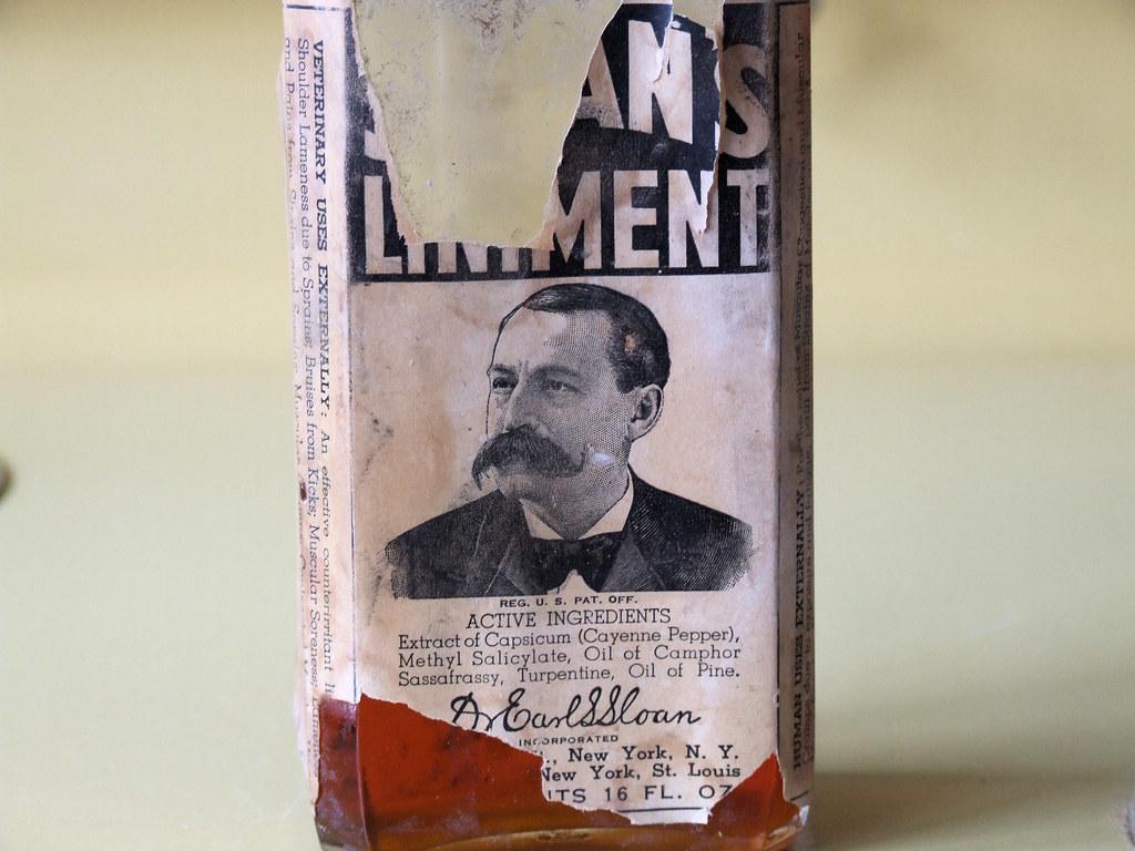 Sloan's liniment bottle | Interesting antique bottle of Sloa