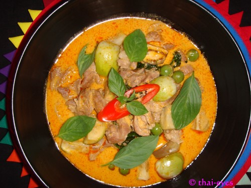 Red Thai Coconut Curry - Kaeng Phed | Kaeng Phed (Ped) - the ...