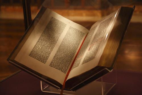 Gutenberg Bible 01