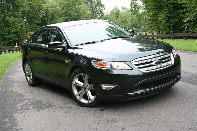 review 2010 ford taurus sho it 39 s show time egmcartech. Black Bedroom Furniture Sets. Home Design Ideas