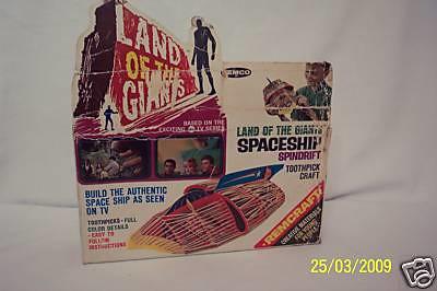 landofgiants_spaceshipremcokit