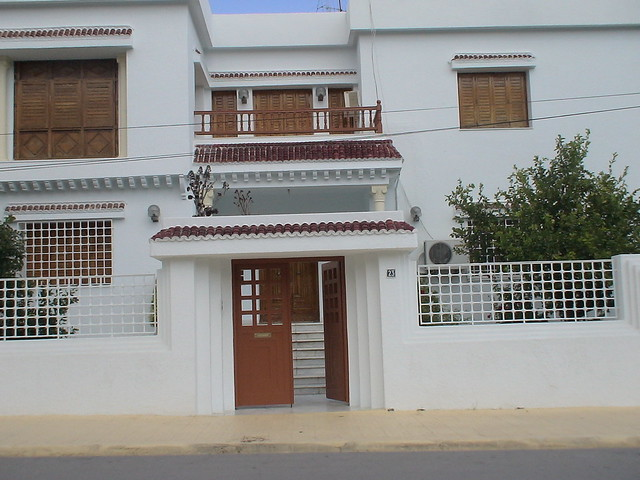 Porte ext rieure en fer forg tunis maisons by for Porte exterieur fer forge tunisie