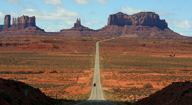 The road leading to Monument Valley, Arizona, from Mexican Hat, Utah by Alaskan Dude via Flickr