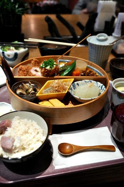 杏子豬排商業午餐-全貌