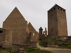 im Inneren einer Burganlage