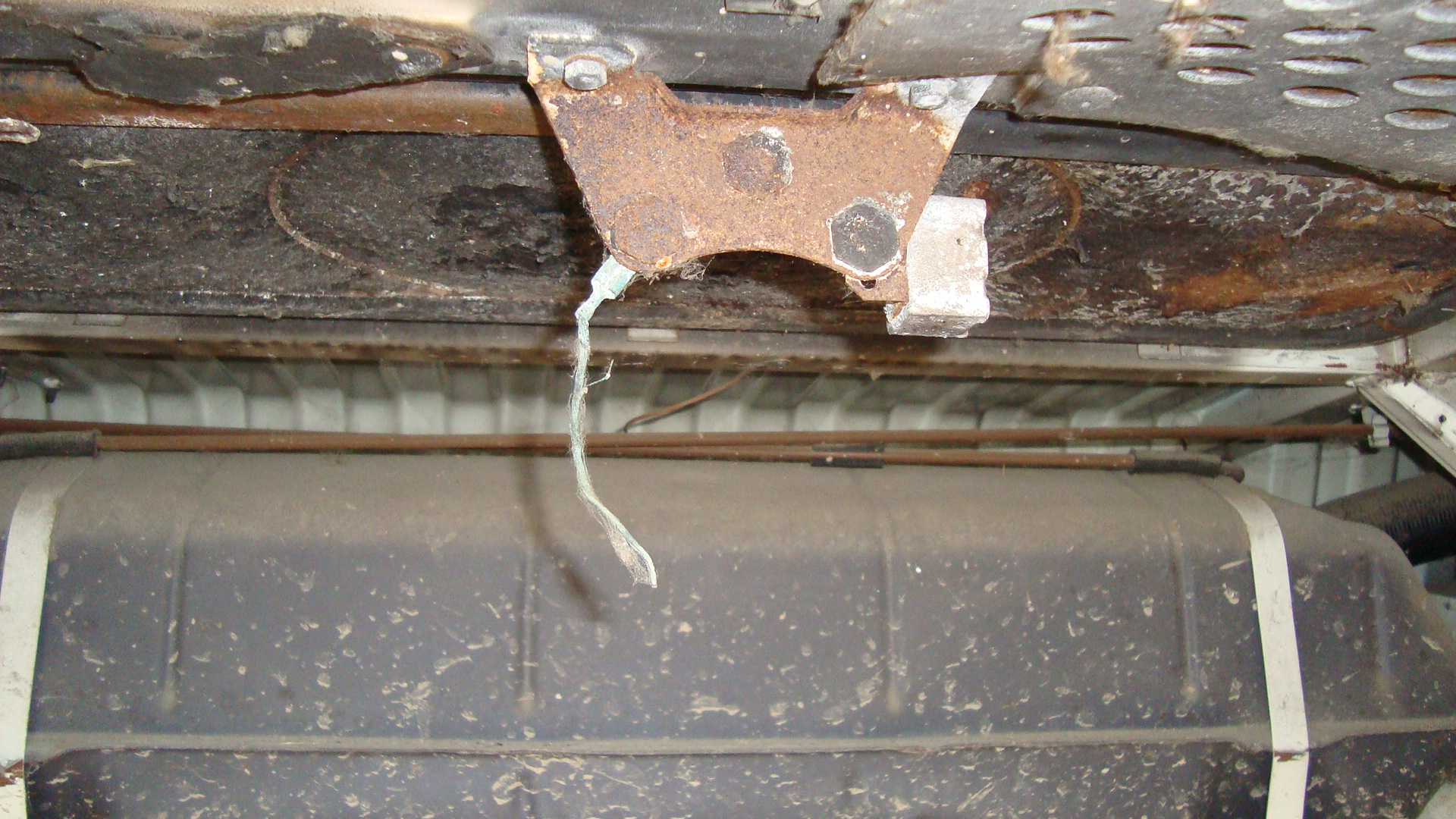 ceiling compartment ideas - Engine partment ceiling