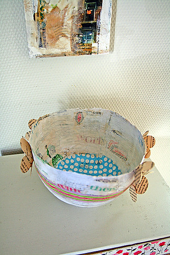 Spotty bowl interior