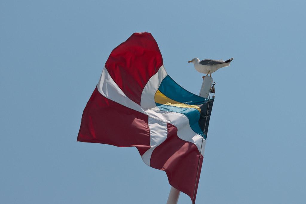 Bahamas Courtesy Flag Sale