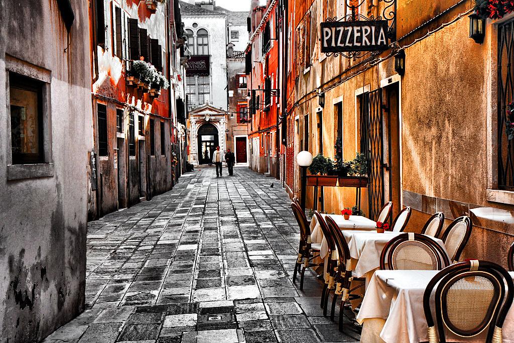 Bistro Street in Verona