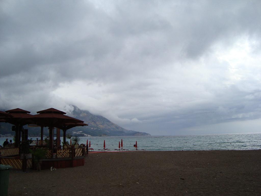 пляж Becici