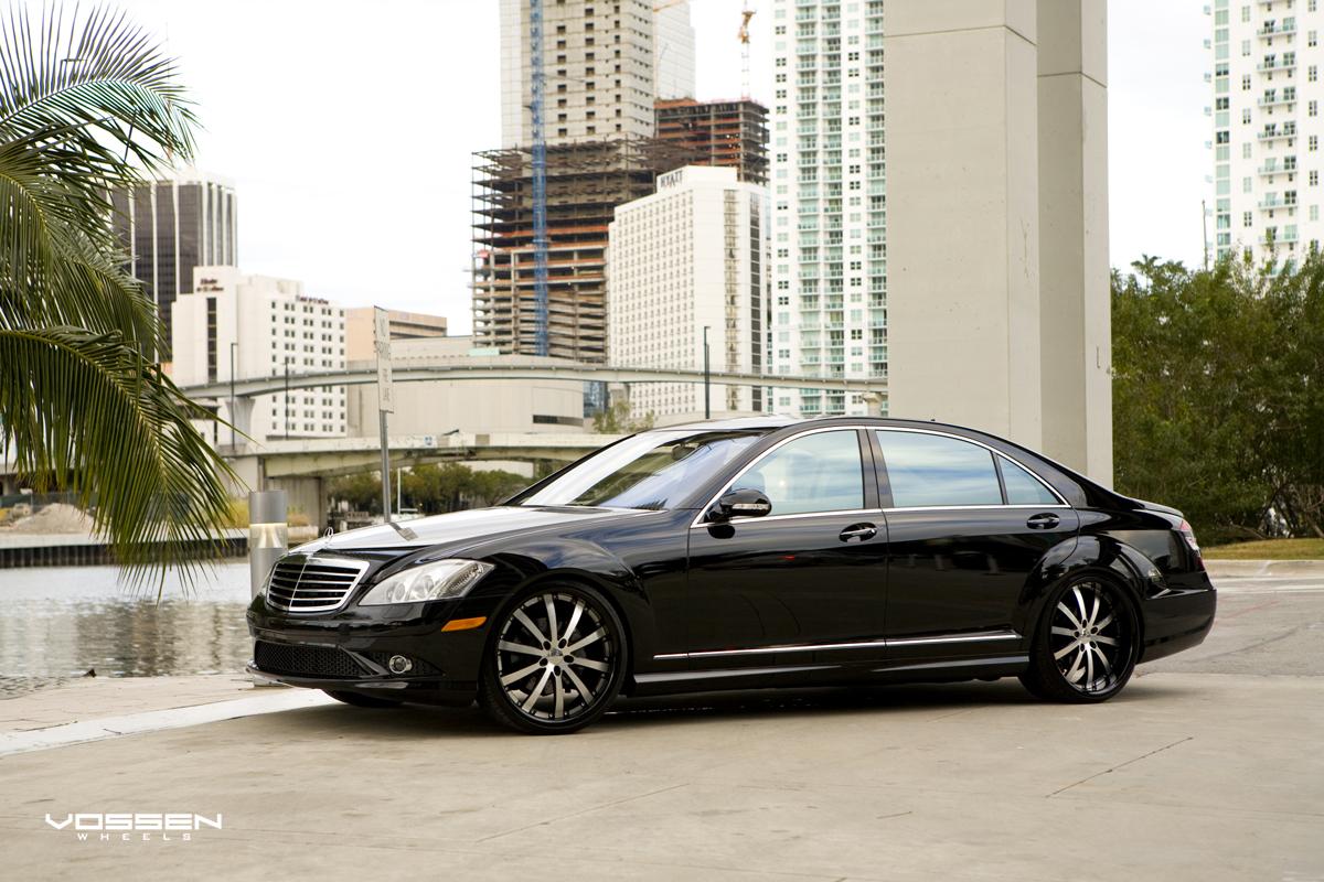 Vossen wheels black on black on black mercedes benz s550 for Mercedes benz black on black