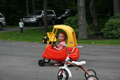 training wheels(0.0), baby carriage(0.0), vehicle(1.0), tricycle(1.0), baby products(1.0),