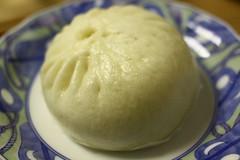 produce(0.0), dairy product(0.0), dessert(0.0), nikuman(1.0), siopao(1.0), xiaolongbao(1.0), baozi(1.0), food(1.0), dish(1.0), dampfnudel(1.0), cuisine(1.0),