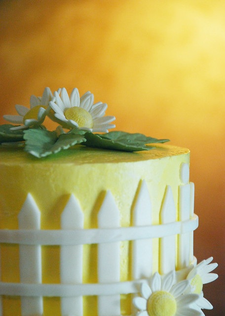 Picket Fence Daisy Wedding Cupcake Tower A Daisy Theme Cupcake Tower for
